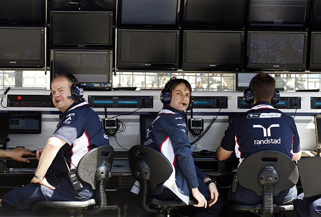 ANews0920 Mark Barnett 2011 Williams F1 Pitwall 650px