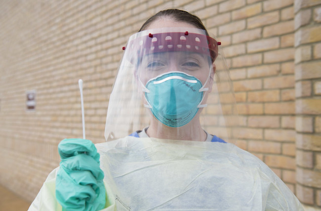 healthcare worker with swab_650