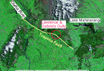 A map showing the northeast-southwest trend of the Tuapeka Fault and passing through Lawrence