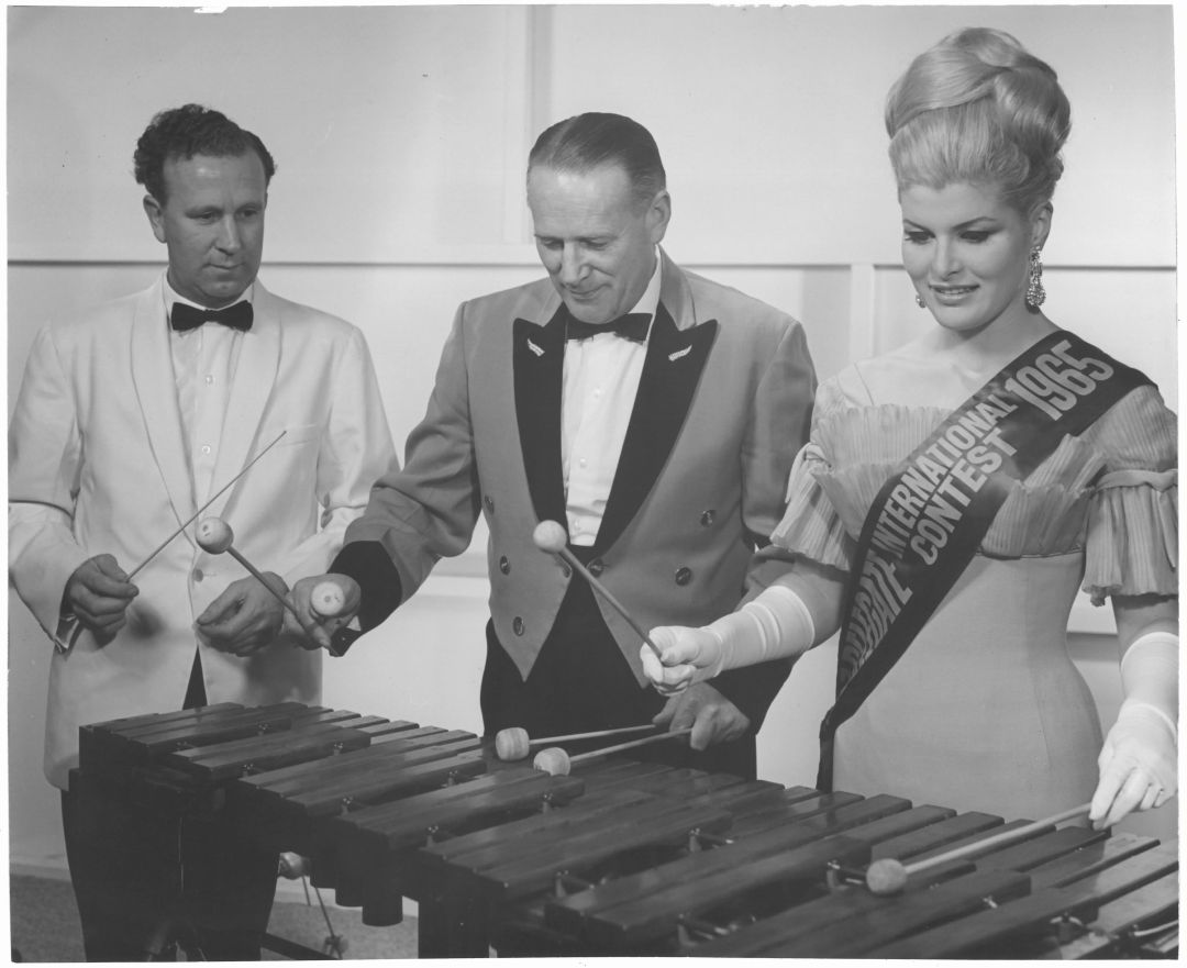 Norman Thorn (Roslyn Mills Kaikorai Band), Walter Sinton, and Gay Phelps (Miss New Zealand 1965). Alan Stuart photographer. Margaret and Joan Gardiner papers r.5477