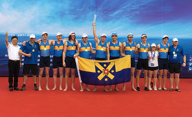 Men's-Eights-on-podium-image