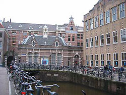 A photo of the Universiteit van Amsterdam.