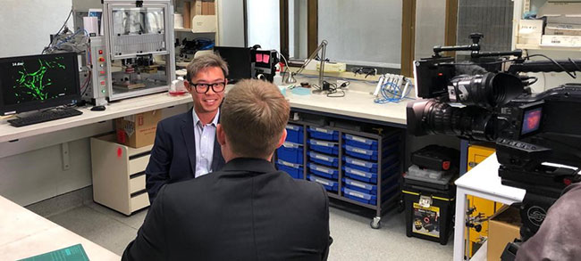 Dr Khoon Lim being interviewed by TV's Newshub