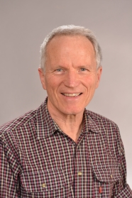 Photo of Mr Peter Simpson.