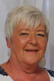 Photo of Mrs Bev Reynolds.
